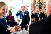Staatsbezoek aan Luxemburg dag 2 / State visit to Luxembourg day 2<br /> <br /> Op de foto / On the photo: Regeringslunch in Kasteel Vianden met Koning Willem Alexander en koningin Maxima met Groothertog Henri en Groothertogin Maria Teresa , Premier Luxembourg Xavier Bettel  / Government lunch in Castle Vianden with King Willem Alexander and Queen Maxima with Grand Duke Henri and Grand Duchess Maria Teresa , Premier Luxembourg Xavier Bettel