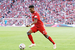 20.04.2019, Allianz Arena, Muenchen, GER, 1. FBL, FC Bayern Muenchen vs SV Werder Bremen, 30. Runde, im Bild David Alaba // during the German Bundesliga 30th round match between FC Bayern Muenchen and SV Werder Bremen at the Allianz Arena in Muenchen, Germany on 2019/04/20. EXPA Pictures © 2019, PhotoCredit: EXPA/ SM<br /> <br /> *****ATTENTION - OUT of GER*****