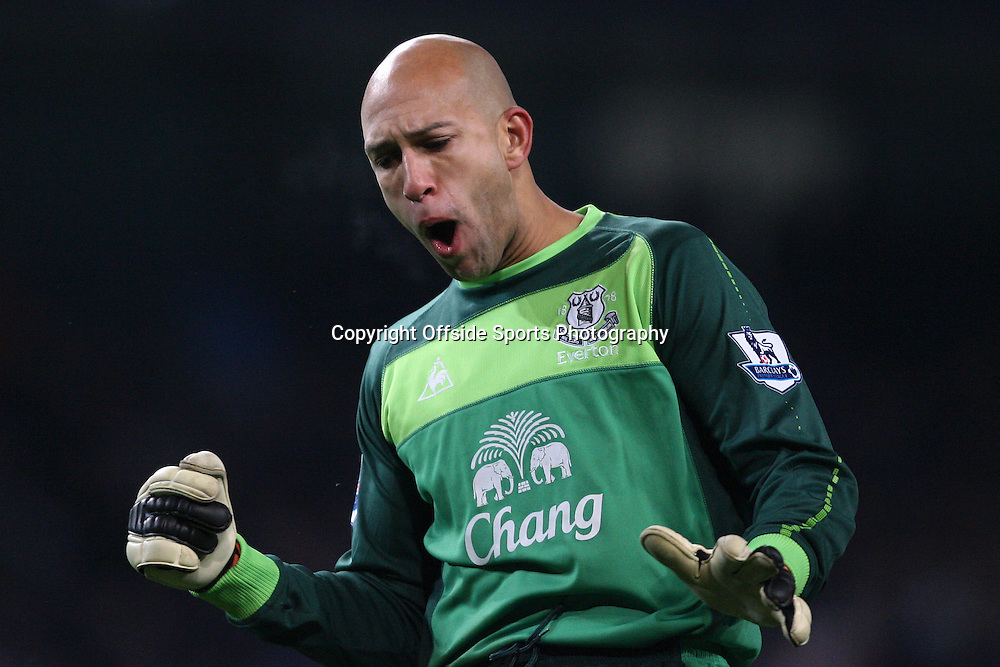 20/12/2010 - Barclays Premier League - Manchester City vs. Everton - Everton goalkeeper Tim Howard celebrates - Photo: Simon Stacpoole / Offside.