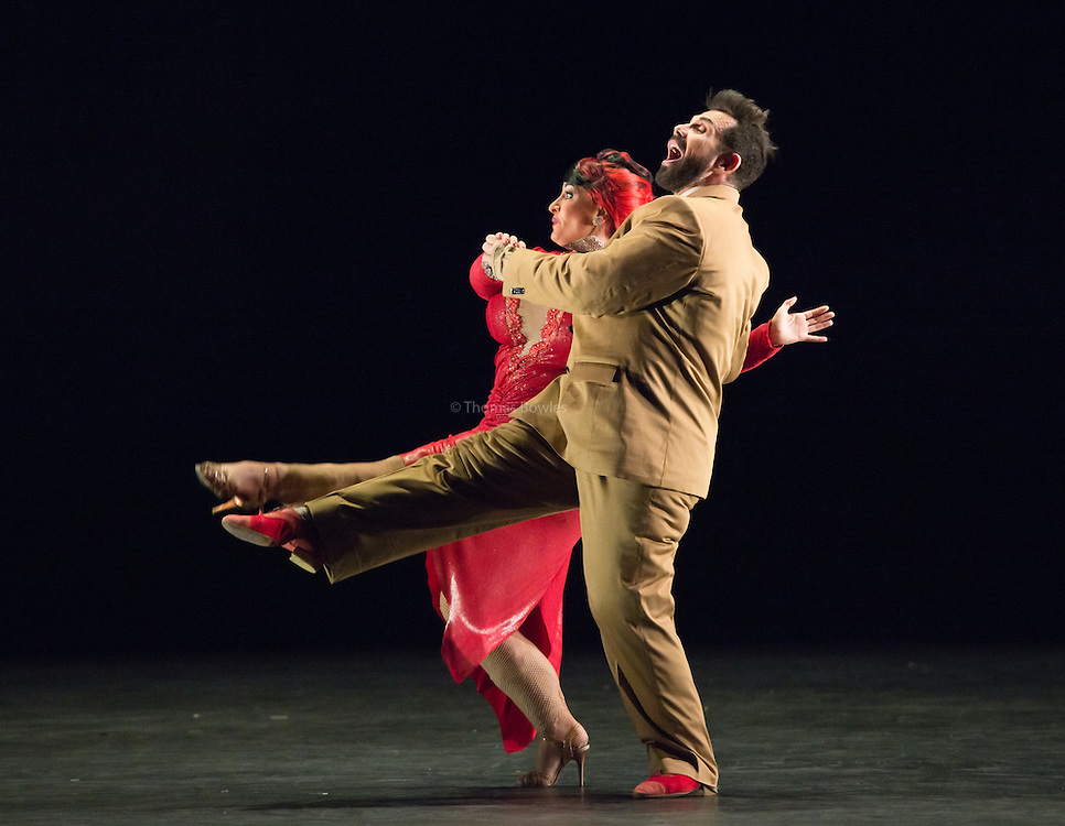 La otra cara de la Moneda  performed by Julia Hiriart Urruty and Claudio Gonzalez- Sadler's Wells, London, 2nd Feb 2017.