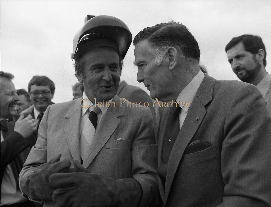 Cork / Dublin Gas Pipeline.28.04.1982.04.28.1982.28th April 1982.1982...At Brownbarn,Kingswood,Dublin the Minister for Industry and Energy, Mr Albert Reynolds T.D. performed the ceremonial first weld to officially start the project..Minister Reynolds congratulated on a job well done by Mr McStay,Chairman,An Bord Gais.
