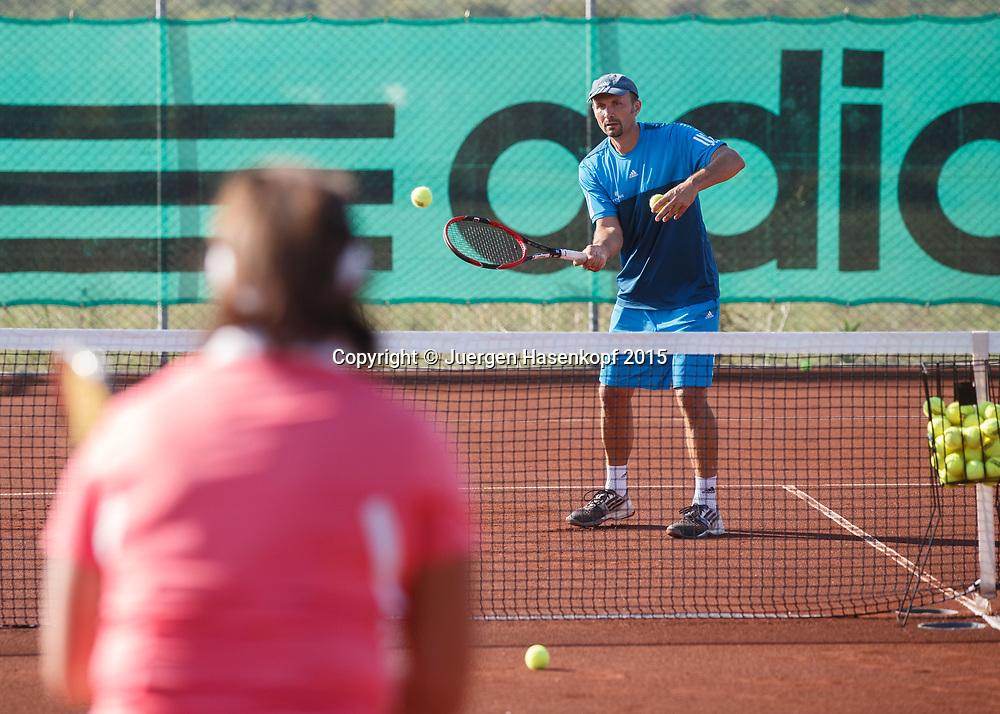 Trainer Hans Hauska, mybigpoint Tennis Camp im  Ali Bey Resort, Side,Tuerkei.<br /> <br /> travel -  -  -  Ali Bey Resort Side - Side - Antalya - Tuerkei  - 1 October 2015. <br /> &copy; Juergen Hasenkopf