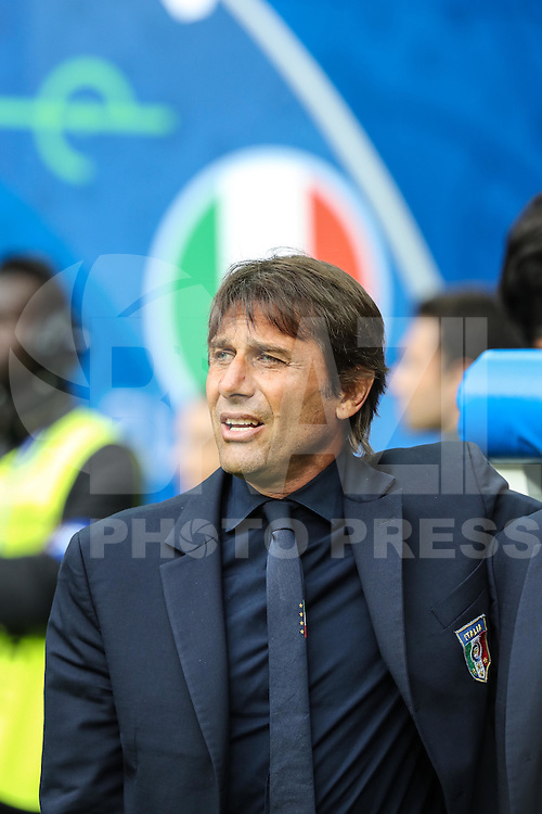 SAINT-DENIS, FRANÇA, 27.06.2016 - ITALIA-ESPANHA -  O treinador da Itália, Antonio Conte durante partida contra a Espanha em partida das oitavas de final da Eurocopa 2016 no Stade de France, em Saint-Denis, ao norte de Paris, França. A Itália venceu por 2 a 0 e enfrenta a Alemanha nas quartas de final do torneio.  (Foto: Bruno Fonseca/Brazil Photo Press)