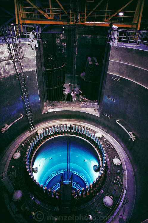 Checking control rod fit at the reactor core of a boiling H2O nuclear power reactor. Laguna Verde Nuclear Power Plant near Veracruz, Mexico.