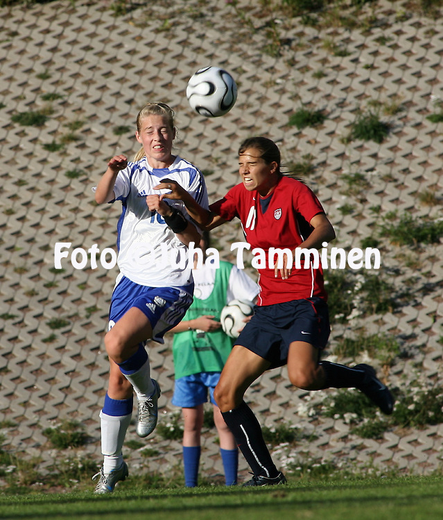 20.07.2006, Eerikkil?, Finland..Alle 20-vuotiaiden naisten maaottelu Suomi - Yhdysvallat / Women's Under-20 friendly international match Finland v USA..Linda S?llstr?m (Finland) v Tobin Heath (USA).©Juha Tamminen.....ARK:k