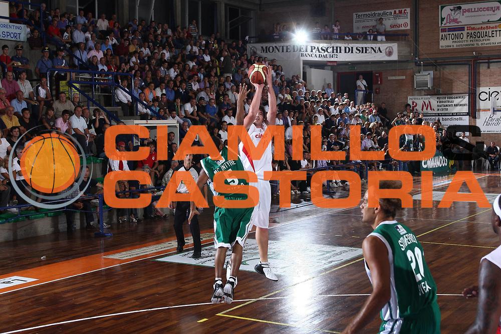 DESCRIZIONE : Castelfiorentino Lega A 2009-10 Basket Torneo V. Martini Montepaschi Siena Cimberio Pallacanestro Varese<br /> GIOCATORE : Jobey Thomas<br /> SQUADRA : Cimberio Pallacanestro Varese<br /> EVENTO : Campionato Lega A 2009-2010 <br /> GARA : Montepaschi Siena Cimberio Pallacanestro Varese<br /> DATA : 12/09/2009<br /> CATEGORIA : tiro<br /> SPORT : Pallacanestro <br /> AUTORE : Agenzia Ciamillo-Castoria/C.De Massis