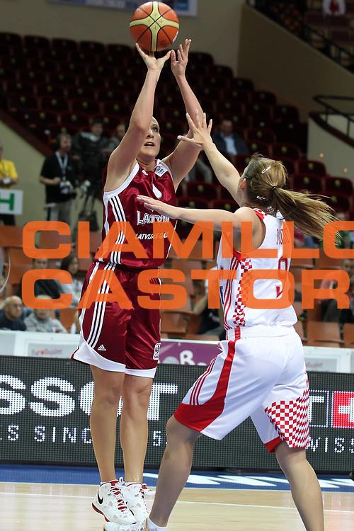 DESCRIZIONE : Katowice Poland Polonia Eurobasket Women 2011 Round 1 Croazia Lettonia Croatia Latvia<br /> GIOCATORE : Liene Jansone<br /> SQUADRA : Latvia Lettonia<br /> EVENTO : Eurobasket Women 2011 Campionati Europei Donne 2011<br /> GARA : Croazia Lettonia Croatia Latvia<br /> DATA : 20/06/2011<br /> CATEGORIA :<br /> SPORT : Pallacanestro <br /> AUTORE : Agenzia Ciamillo-Castoria/E.Castoria<br /> Galleria : Eurobasket Women 2011<br /> Fotonotizia : Katowice Poland Polonia Eurobasket Women 2011 Round 1 Croazia Lettonia Croatia Latvia<br /> Predefinita :