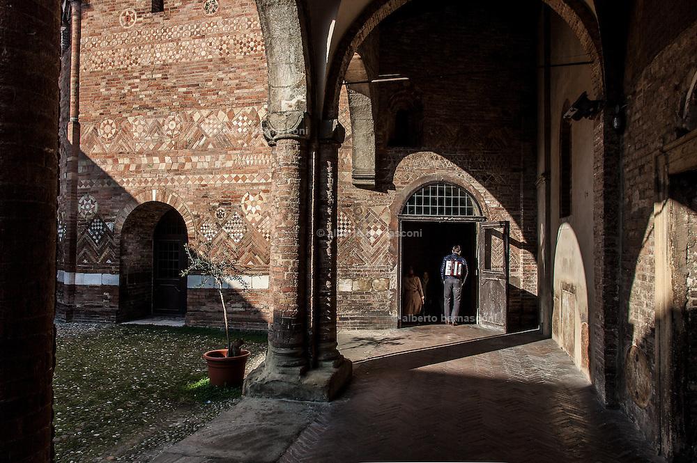 Bologna, In the yard of Basilica di Santo Stefano