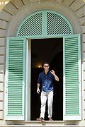 Castpresentatie romantische komedie Toscaanse Bruiloft in Villa Rossi Lucca, Italie<br /> <br /> Op de foto:  Matteo van der Grijn Jan Kooijman