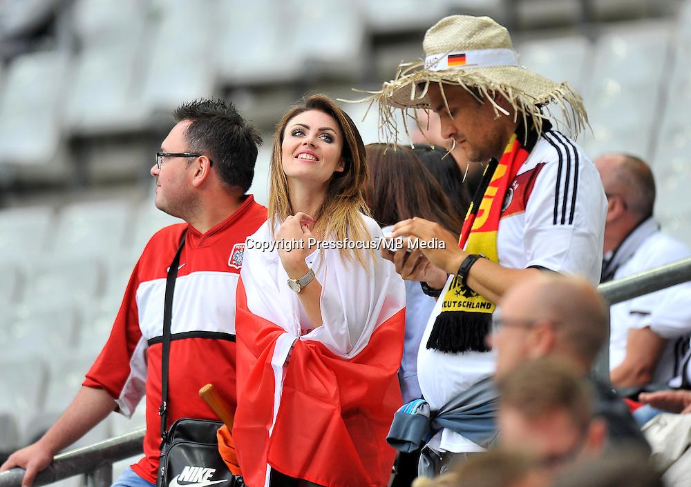 2016.06.16 Saint-Denis<br /> Pilka nozna Euro 2016<br /> mecz grupy C Polska - Niemcy<br /> N/z Kibice Polski Fans Poland, Kobieta<br /> Foto Norbert Barczyk / PressFocus<br /> <br /> 2016.06.16 Saint-Denis<br /> Football UEFA Euro 2016 group C game between Poland and Germany<br /> Kibice Polski Fans Poland, Kobieta<br /> Credit: Norbert Barczyk / PressFocus