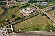 Nederland, Noord Brabant, Gemeente Den Bosch, 08-07-2010. Engelen, Slot Haverleij, onderdeel van het Plan Haverleij bestaat uit een negental kastelen, elk in een andere stijl. Inclusif golfbaan (in de voorgrond). Het stedenbouwkundig ontwerp van het landgoed is van Sjoerd Soeters en Paul van Beek..Haverleij Castle, part of the Plan Haverleij / housing project, consists of nine castles, each in a different style. The urban design by Sjoerd Soeters and Paul van Beek..luchtfoto (toeslag), aerial photo (additional fee required).foto/photo Siebe Swart.