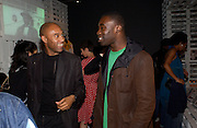 Augustus Casely-Hayford and Chris  Ofili, Opening of Black British Style, V.& A. 4 October 2004. ONE TIME USE ONLY - DO NOT ARCHIVE  © Copyright Photograph by Dafydd Jones 66 Stockwell Park Rd. London SW9 0DA Tel 020 7733 0108 www.dafjones.com
