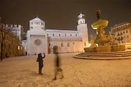 Trento Città piazza Duomo con la neve, centro storico  © foto Daniele Mosna
