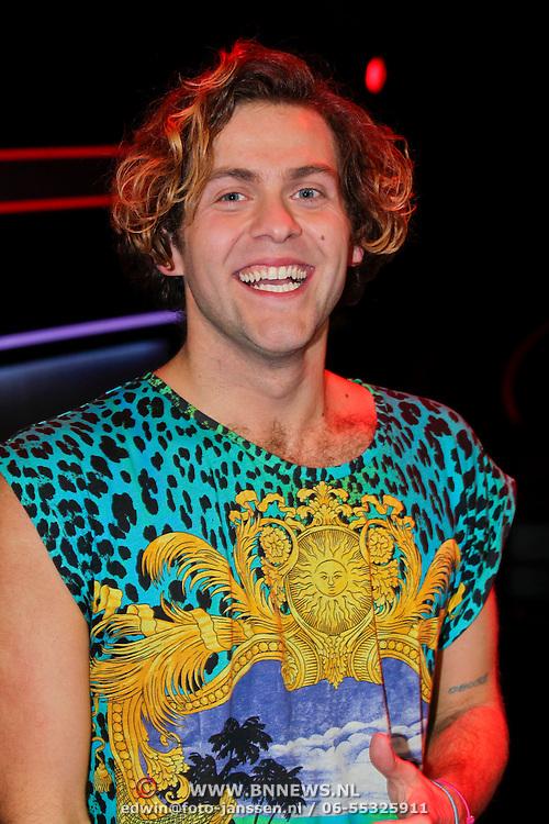 NLD/Hilversum/20111209- The Voice of Holland 2011, 2de live uitzending, Paul Turner