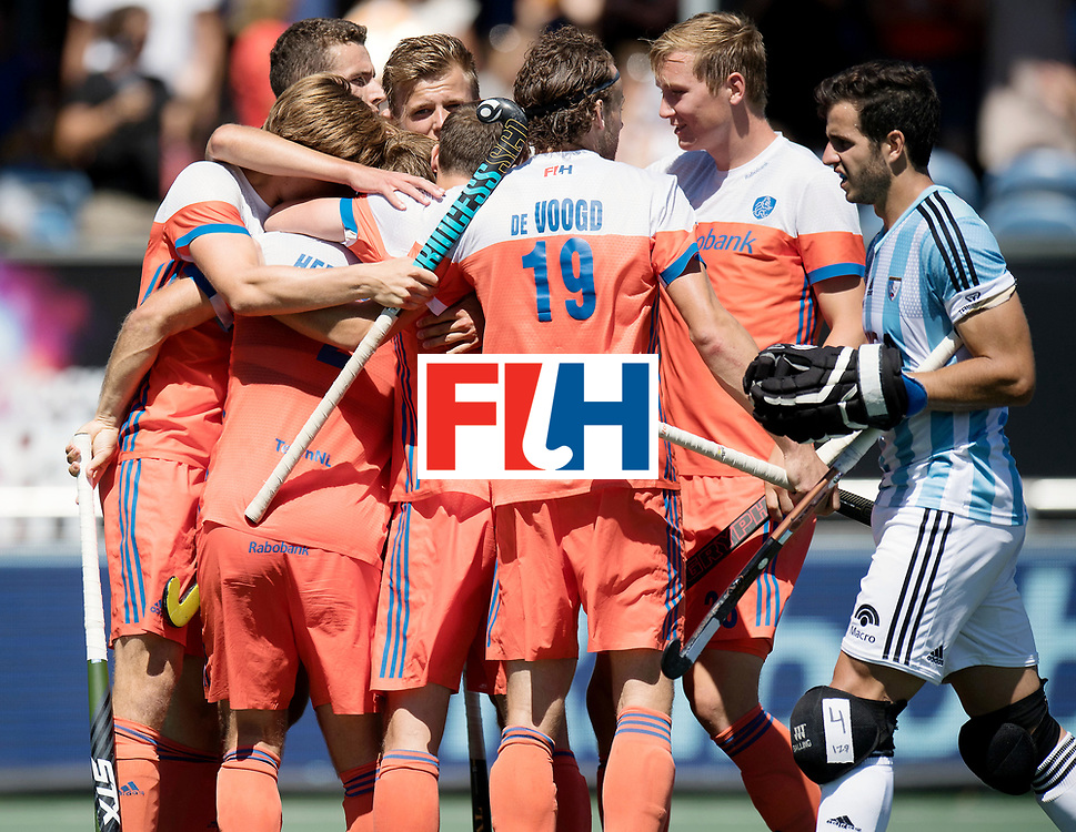 BREDA - Rabobank Hockey Champions Trophy<br /> 3rd/4th place The Netherlands - Argentina<br /> Photo: The Netherlands celebrate the 1-0.<br /> COPYRIGHT WORLDSPORTPICS FRANK UIJLENBROEK
