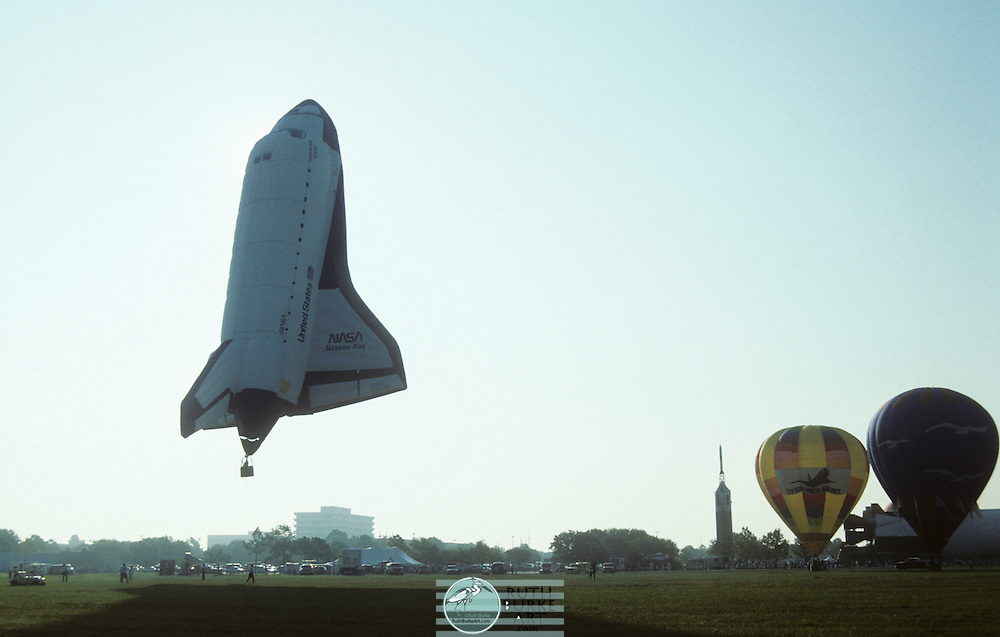 1995 shuttle air balloon at Ballunar Festival at JSC