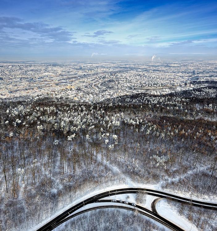 Verschneites Stuttgart mit Blick vom Fernsehturm