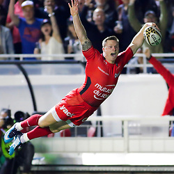 Chris Ashton of Toulon scores a try during the Top 14 playoff match between RC Toulon and Lyon OU at Felix Mayol Stadium on May 18, 2018 in Toulon, France. (Photo by Guillaume Ruoppolo/Icon Sport)