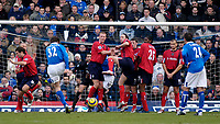 Fotball<br /> Premier League England 2004/2005<br /> 18.12.2004<br /> Foto: SBI/Digitalsport<br /> NORWAY ONLY<br /> <br /> Birmingham City v West Bromwich Albion<br /> Barclays Premiership. 18/12/2004<br /> <br /> Birmingham City substitute Darren Anderton (#32) scores his side's fourth goal from a free kick.