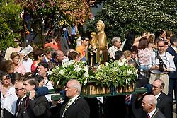 Logron?o (Spain) 21/09/2007 - 51° Fiesta de la Vendimia Riojana 2007 - Pisado de la Uva y ofrenda del primer mosto a la Virgen de Valvanera - Paseo del Espolon