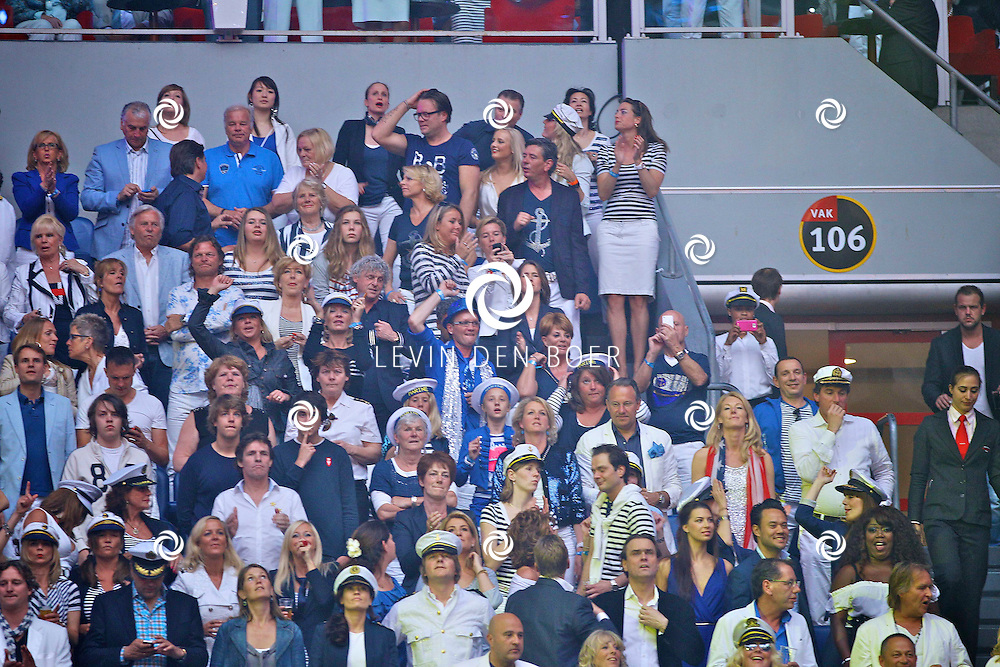 AMSTERDAM - De Toppers in Concert 2012 The Loveboat Edition in de Amsterdam Arena in Amsterdam.  Met op de foto diversen bekende Nederlanders in het VIP vak. FOTO LEVIN DEN BOER - PERSFOTO.NU