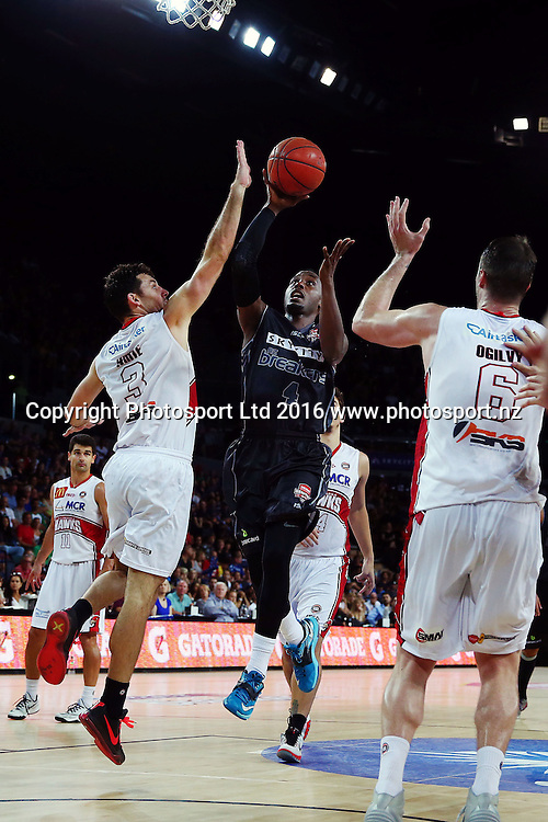 Cedric Jackson of the Breakers goes to the hoop. 2015/16 ANBL, SkyCity Breakers vs Illawarra Hawks, Vector Arena, Auckland, New Zealand. 17 January 2016. Photo: Anthony Au-Yeung / www.photosport.nz