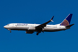 Boeing 737-800 (N77537) operated by United Airlines on approach to San Francisco International Airport (KSFO), San Francisco, California, United States of America