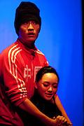 SI SIANG KI, ou l'histoire de la Chambre de l'Ouest au festival off en avignon du 8 au 31 juillet 2011 , Mise en scene, adaptation et lumiere Gérard Gelas avec les comediens de la Shanghai theatre academy