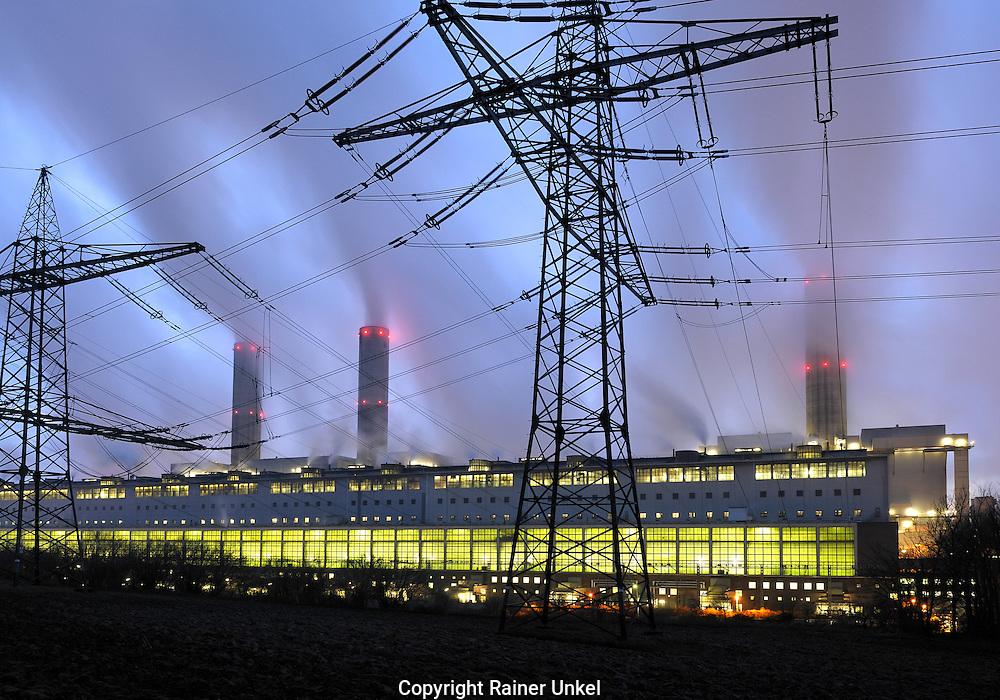 DEUTSCHLAND : Das Kohlekraftwerk Frimmersdorf der RWE AG.   |GERMANY : The coal power plant Frimmersdorf of RWE AG|.   31.12.2008.     Copyright by : Rainer UNKEL