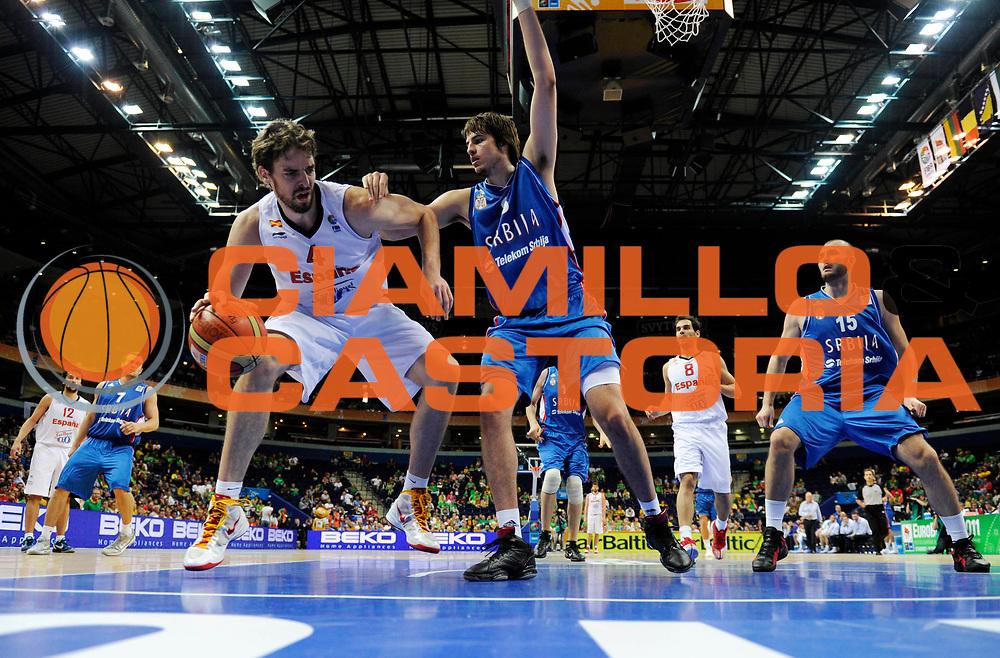 DESCRIZIONE : Vilnius Lithuania Lituania Eurobasket Men 2011 Second Round Spagna Serbia Spain Serbia<br /> GIOCATORE : Pau Gasol<br /> CATEGORIA : palleggio penetrazione<br /> SQUADRA : Spagna Spain<br /> EVENTO : Eurobasket Men 2011<br /> GARA : Spagna Serbia Spain Serbia<br /> DATA : 09/09/2011<br /> SPORT : Pallacanestro <br /> AUTORE : Agenzia Ciamillo-Castoria/JF Molliere<br /> Galleria : Eurobasket Men 2011<br /> Fotonotizia : Vilnius Lithuania Lituania Eurobasket Men 2011 Second Round Spagna Serbia Spain Serbia<br /> Predefinita :
