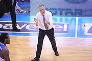 DESCRIZIONE : Brindisi  Lega A 2014-15 Enel Brindisi Vitasnella Cantù<br /> GIOCATORE : Bucchi Piero <br /> CATEGORIA : Allenatore Coach Mani Esultanza<br /> SQUADRA : Enel Brindisi<br /> EVENTO : Campionato Lega A 2014-2015<br /> GARA :Enel Brindisi Vitasnella Cantù<br /> DATA : 22/03/2015<br /> SPORT : Pallacanestro<br /> AUTORE : Agenzia Ciamillo-Castoria/M.Longo<br /> Galleria : Lega Basket A 2014-2015<br /> Fotonotizia : Brindisi  Lega A 2014-15 Enel Brindisi Vitasnella Cantù<br /> Predefinita :