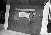 2/7/1964<br /> 7/2/1964<br /> 2 July 1964<br /> <br /> An Taoiseach Mr. Sean Lemass admiring the newly unveiled plaque at the Guinness Laboratories