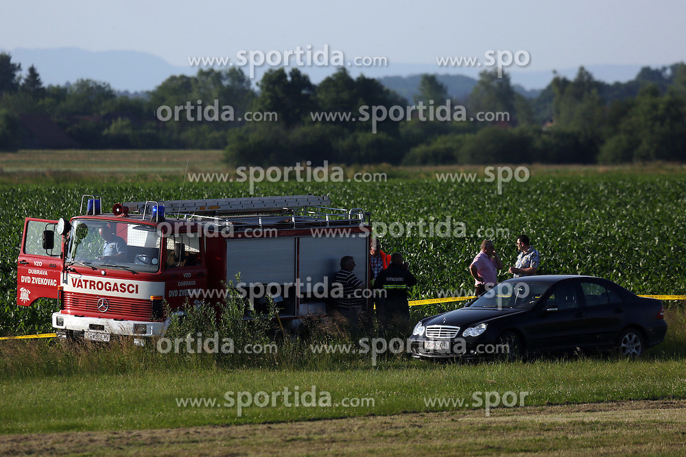 07.06.2015, Vrbovec, Zagreb, CRO, Absturz eines Sportflugzeuges w&auml;hrend einer Flugshow bei der 2 Menschen starben, im Bild Sport plan felt during air show and two people died. The accident occurred // during a demonstration flight which was held as part of the Open Days Dubrava Aero Club and the plane crashed near the runway at Vrbovec in Zagreb, Croatia on 2015/06/07. EXPA Pictures &copy; 2015, PhotoCredit: EXPA/ Pixsell/ Borna Filic<br /> <br /> *****ATTENTION - for AUT, SLO, SUI, SWE, ITA, FRA only*****