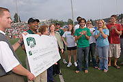 Kent Vs. Ohio ..Left to right: ..Kirby Hocutt , President Dr. Roderick McDavis, Sandy Shirvey, Executive Director, Athens Chapter Red Cross, Brian Foot, President of Student Senate, and othe members of the student senate and Red Cross.Kent Vs. Ohio ..Kent Vs. Ohio ..Left to right: ..Kirby Hocutt , President Dr. Roderick McDavis, Sandy Shirvey, Executive Director, Athens Chapter Red Cross, Brian Foot, President of Student Senate, and othe members of the student senate and Red Cross.