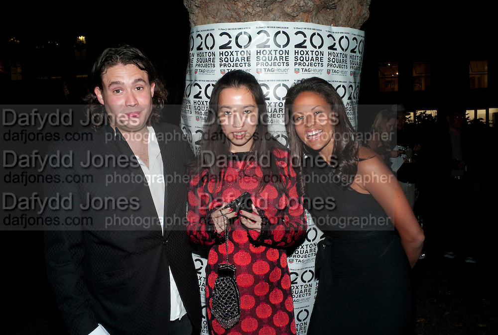 """ADAM WAYMOUTH; YI ZHOU; ; RACHEL BARRETT;  , Video artist Yi Zhou  first solo show """"I am your Simulacrum"""".Exhibition opening at 20 Hoxton Square Projects. Hoxton Sq. London. 1 September 2010.  -DO NOT ARCHIVE-© Copyright Photograph by Dafydd Jones. 248 Clapham Rd. London SW9 0PZ. Tel 0207 820 0771. www.dafjones.com."""
