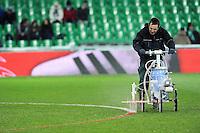 Tracage des lignes  - 06.02.2015 - Saint Etienne / Lens - 24eme journee de Ligue 1 -<br /> Photo : Jean Paul Thomas / Icon Sport
