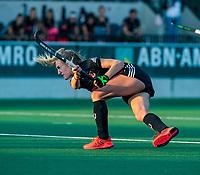 AMSTELVEEN  -  Lauren Stam (A'dam)    tijdens   de eerste finalewedstrijd van de play offs om de landstitel hockey dames , Amsterdam-Den Bosch (2-1) . COPYRIGHT  KOEN SUYK
