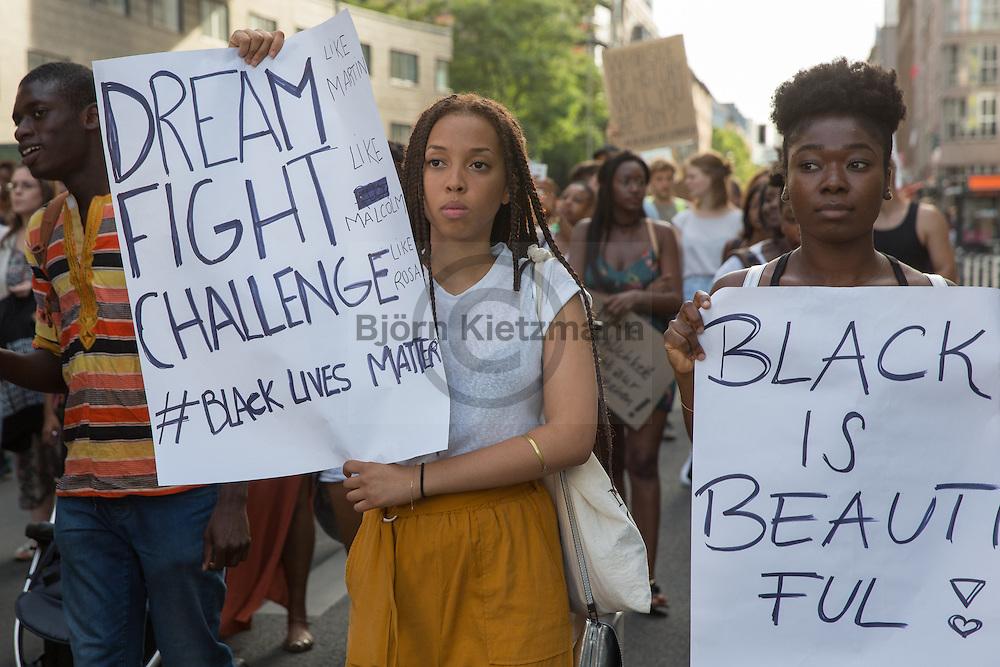 Berlin, Germany - 22.07.2016<br /> <br /> Hundreds of people protest under the slogan &quot;Black Lives Matter&quot; in Berlin against racism.<br /> <br /> Viele hundert Menschen protestieren unter dem Motto &quot;Black Lives Matter&quot; in Berlin gegen Rassismus. <br /> <br /> Photo: Bjoern Kietzmann