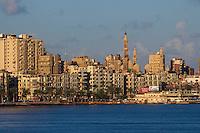 Egypte, la côte méditerranéenne, Alexandrie, la Corniche. // Egypt, Alexandria, the Corniche.