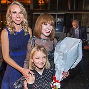 NLD/Amsterdam/20171030 - Boekpresentatie biografie van Liesbeth List, Liesbeth List met dochter Elisah en  kleindochter Leilah