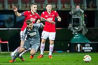 ALKMAAR - 26-11-15, Europa League, AZ  - FK Partizan, AFAS Stadion, 1-2, AZ speler Jeffrey Gouweleeuw, Partizan speler Brasanac, AZ speler Mattias Johansson.