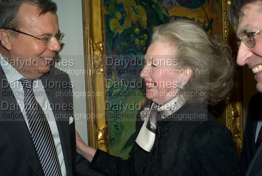 HE THE RUSSIAN AMBASSADOR YURI VIKTOROVICH FEDETOV  AND COUNTESS RAINE SPENCER. Opening of 'From Russia' Royal Academy of arts. Picadilly. London. 22 January 2008. -DO NOT ARCHIVE-© Copyright Photograph by Dafydd Jones. 248 Clapham Rd. London SW9 0PZ. Tel 0207 820 0771. www.dafjones.com.