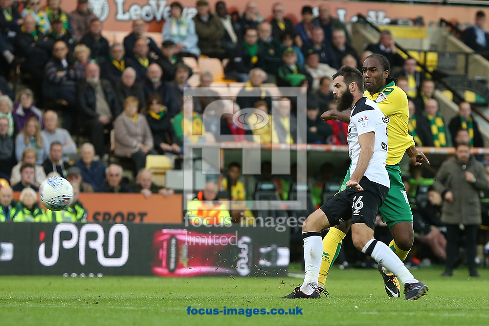 Cameron Jerome of Norwich has a shot on goal during the Sky Bet Championship match at Carrow Road, Norwich<br /> Picture by Paul Chesterton/Focus Images Ltd +44 7904 640267<br /> 28/10/2017