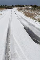 Christchurch-Snow falls on Port Hills