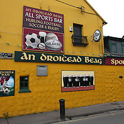 An Droicead Beag, a famous pub in Dingle. Dingle is the only town on the Dingle Peninsula. Principal industries in the town are tourism, fishing and agriculture. Dingle, County Kerry, Ireland. Photo Tim Clayton