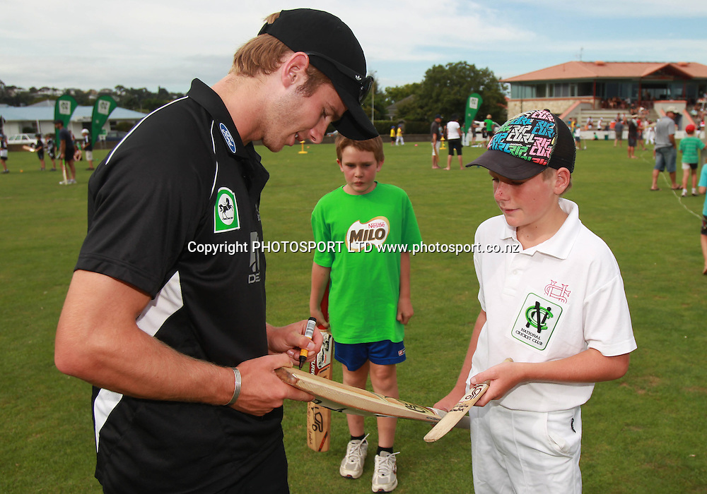 Kane Williamson signs autographs at the National Bank's National Cricket Club ( NCC ) Supercamp, Nelson Park, Napier, Sunday 30 January 2011. Photo: Andrew Cornaga/photosport.co.nz