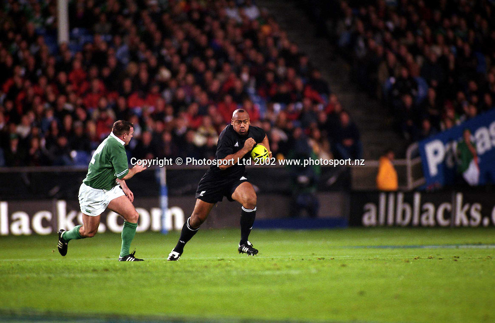 Jonah Lomu in action during the rugby union match between the All Blacks and Ireland, Eden Park, Auckland, 22 June, 2002. Photo: PHOTOSPORT