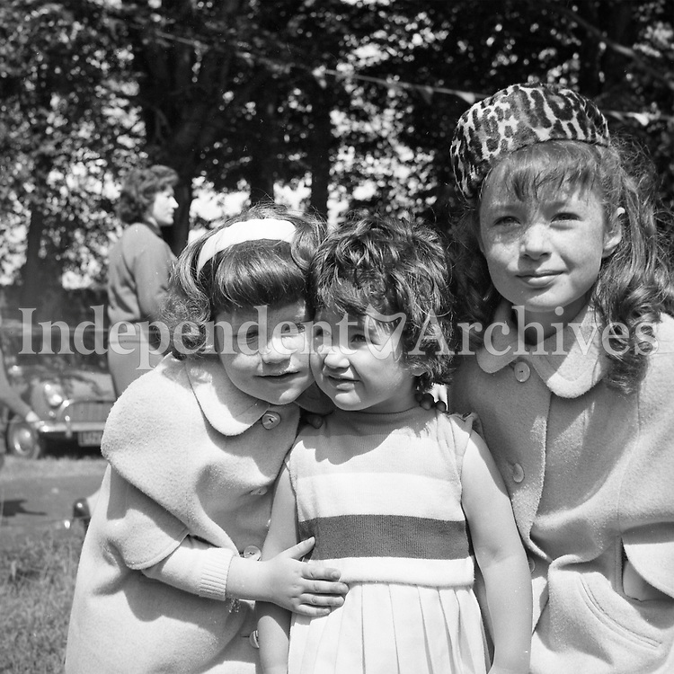 Three sisters who attended the Manreasa House, horse show in Dollymount, Dublin in June 7 1964.<br /> From left: Ann (6), Clodagh (2.5) and Yvonne (7.5) O'Gara.<br /> (Part of the Independent Ireland Newspapers/NLI Collection)