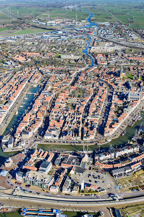 Nederland, Friesland, Harlingen, 28-02-2016; overzicht Harlingen met Havenplein, Noorderhaven en Zuiderhaven.<br /> Overview Harlingen harbor.<br /> luchtfoto (toeslag op standard tarieven);<br /> aerial photo (additional fee required);<br /> copyright foto/photo Siebe Swart