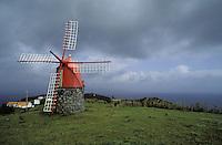 Portugal, Archipel des Açores, Île de Faial, moulin // Portugal, Azores archipelago, Faial island, windmill